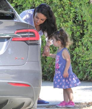 Czy to najsłodsze zdjęcia Mili Kunis z jej córeczką? (FOTO)
