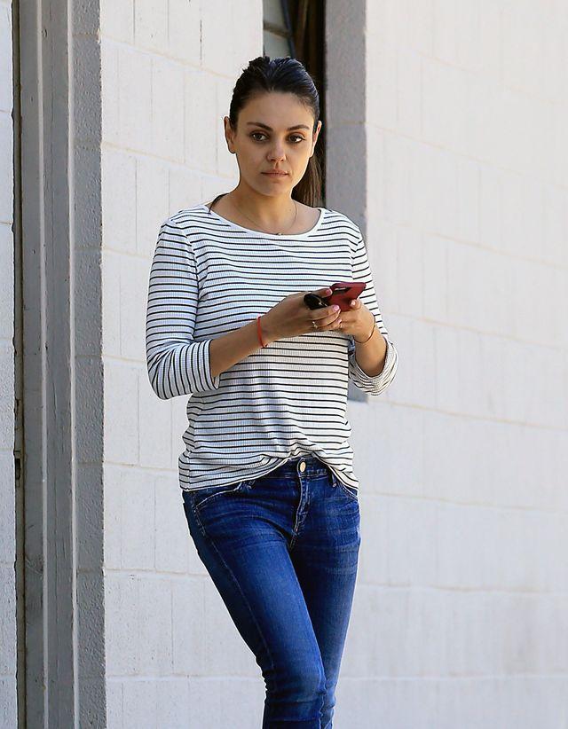 4 miesiące po porodzie Mila Kunis ma super FIGURĘ! (ZDJĘCIA)