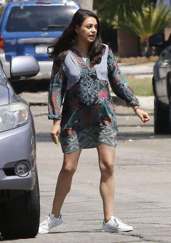 Mila Kunis wygl�da na zm�czon� ci��� (FOTO)