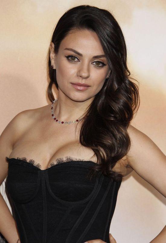 Mila Kunis opowiada, jak seks bez zobowi�za� zaprowadzi� j� przed o�tarz