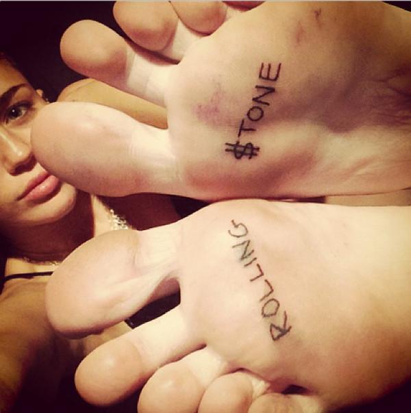 Miley Cyrus zrobiła sobie tatuaż na stopach