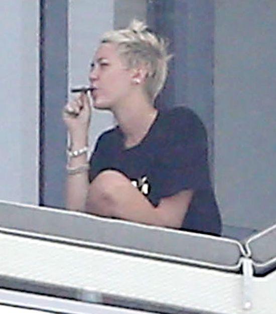 Za co Miley Cyrus kocha palić trawkę?