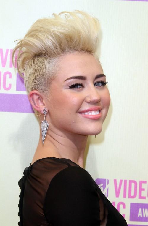 Miley Cyrus nie pozwoli sobie zrujnowa� �ycia