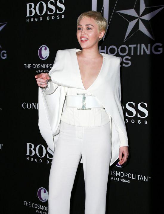 Miley Cyrus zaskoczyła stylizacją (FOTO)