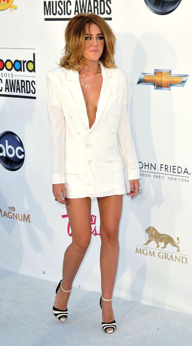 Miley Cyrus i Jennifer Hudson omal nie wydrapały sobie oczu!