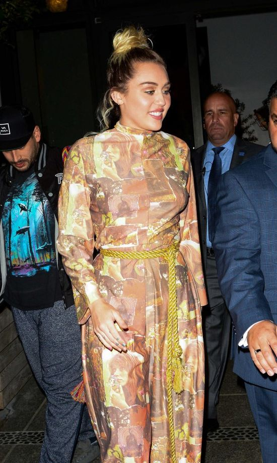 Interanuci mają żal do Lima: Dlaczego wypuściłeś Miley w tym stroju z domu?