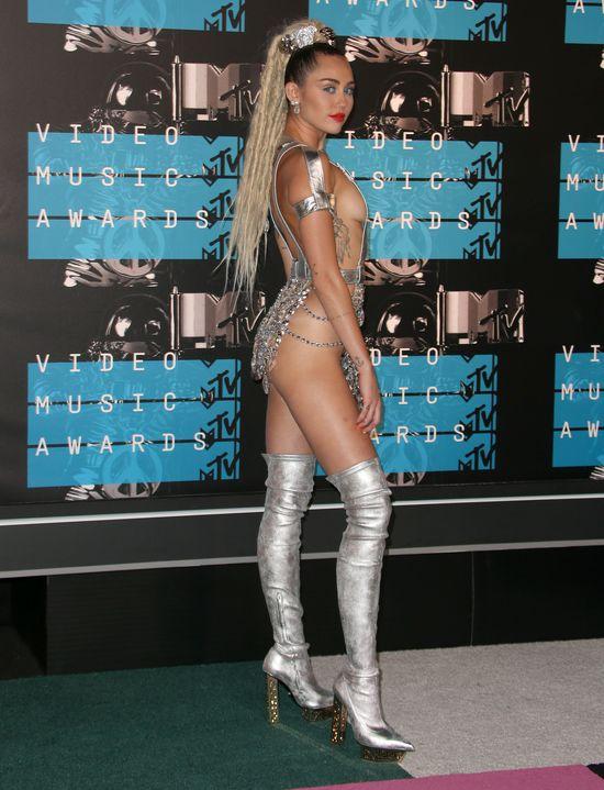 Komu Liam Hemsworth i Miley Cyrus zawdzi�czaj� sw�j powr�t?