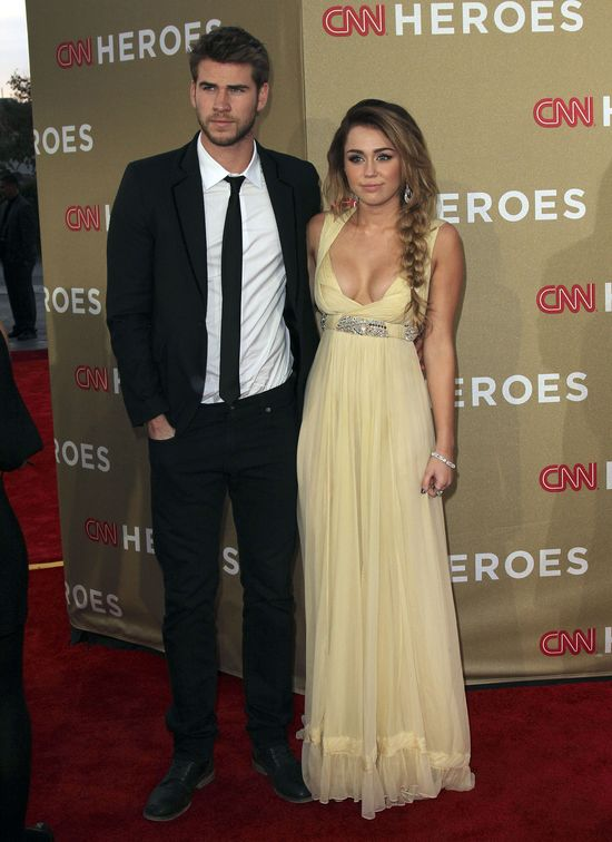Liam Hemsworth nie chce być dużej nińką Miley Cyrus