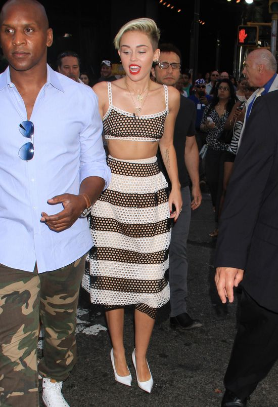 Miley Cyrus w Good Morning America... (FOTO)