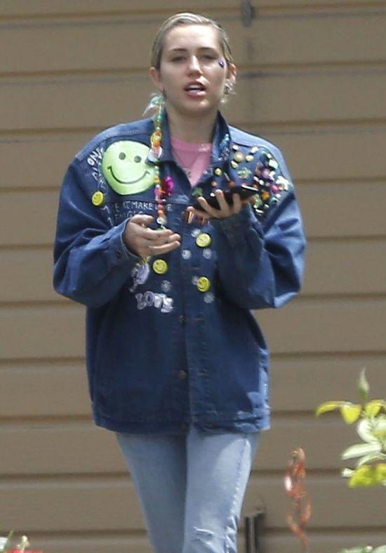 Miley Cyrus nie umyła włosów od gali Met?
