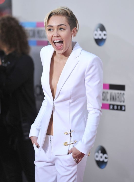Miley Cyrus BŁAGA Liama Hemswortha, by do niej wrócił!