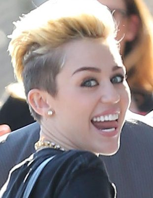 Miley Cyrus dostanie milion dolarów za pornosa?