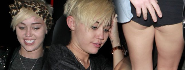 Miley Cyrus – pupa czy włosy? (FOTO)