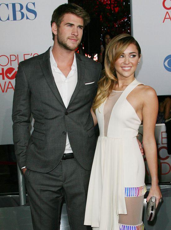�lub Miley Cyrus i Liama Hemswortha wstrzymany?