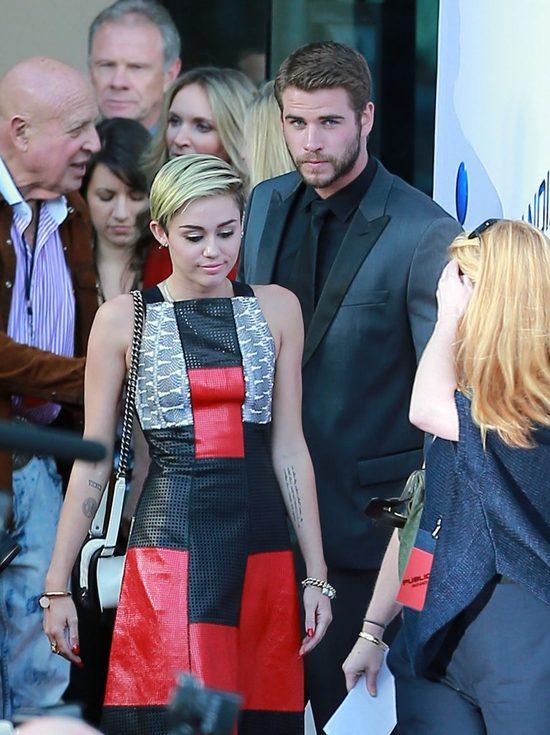 Zdj�cie na Instagramie Chrisa Hemswortha dowodzi, �e z Miley jest... swojsko