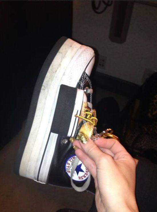 Kto pochwalił się takimi butami?