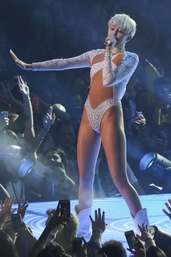 Miley Cyrus rozpoczęła trasę koncertową (FOTO)