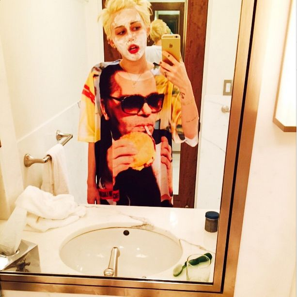 Miley Cyrus naśmiewa się z Kim Kardashian (FOTO)