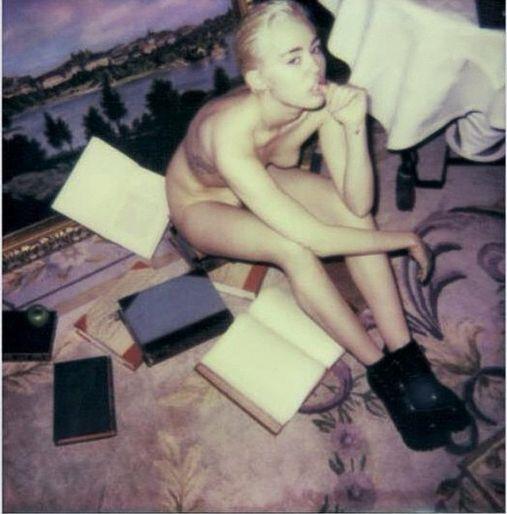 My�leli�cie, �e Miley Cyrus pokaza�a ju� wszystko? (FOTO)