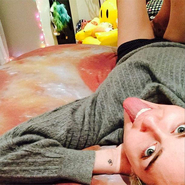 Która gwiazda smacznie chrapie na takim łóżku? (FOTO)