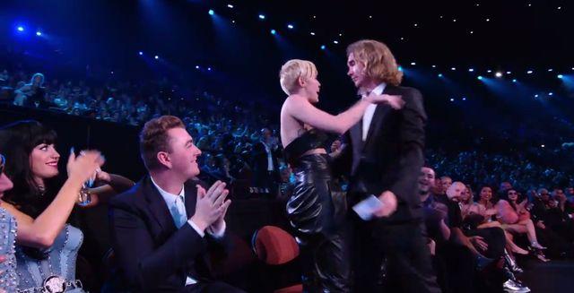 Bezdomny od Miley Cyrus ma kryminalną przeszłość FOTO+VIDEO