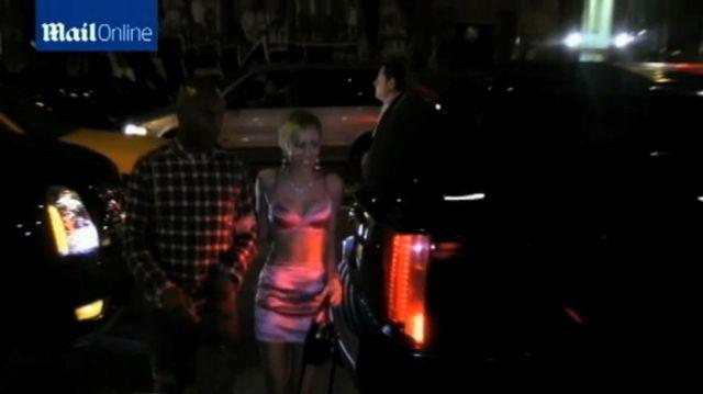 Miley Cyrus świętuje premierę nowej płyty (FOTO+VIDEO)