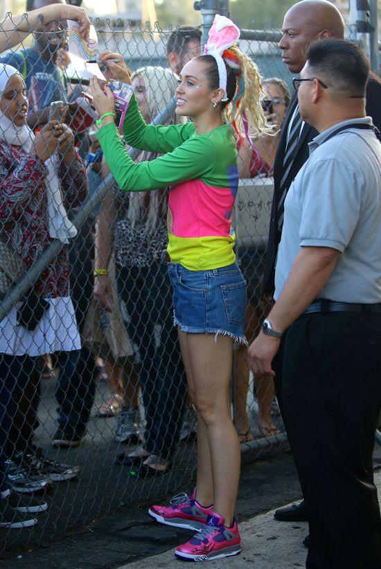 Miley Cyrus zmienia styl? (FOTO)