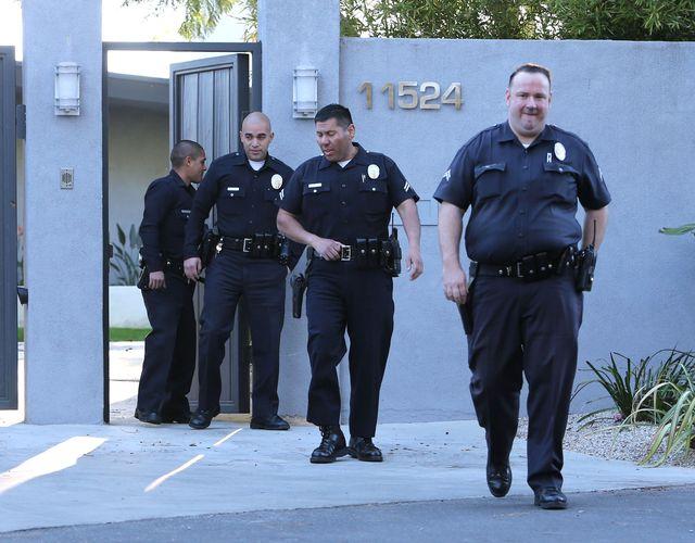 Policja zrobiła nalot na dom Miley Cyrus! (FOTO)