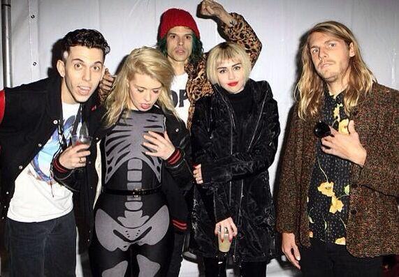 Miley Cyrus zmieniła fryzurę (FOTO)
