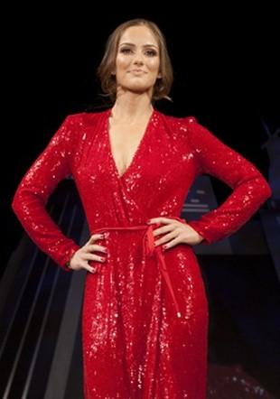 Minka Kelly w roli modelki (FOTO)