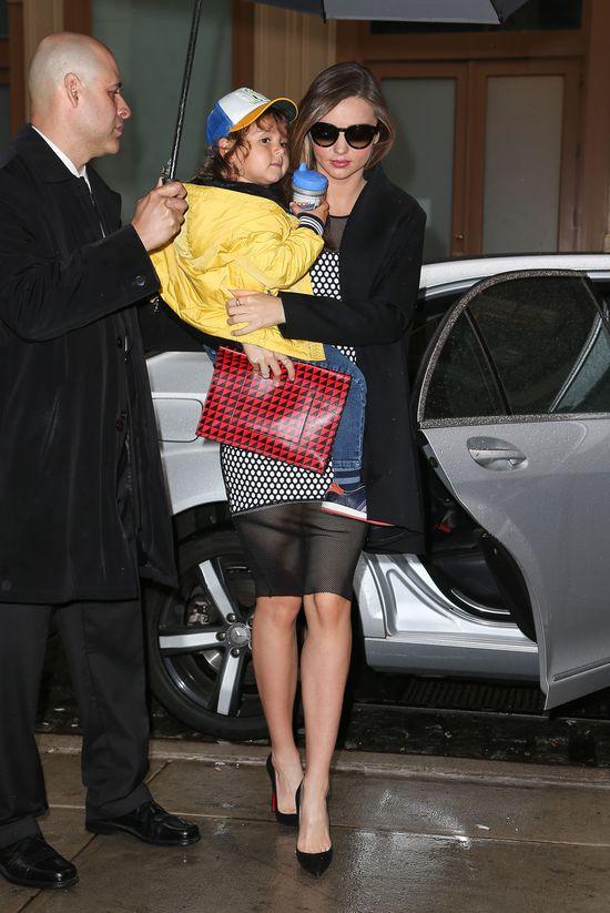 Paparazzi znowu spotykali Mirandę Kerr z synem (FOTO)