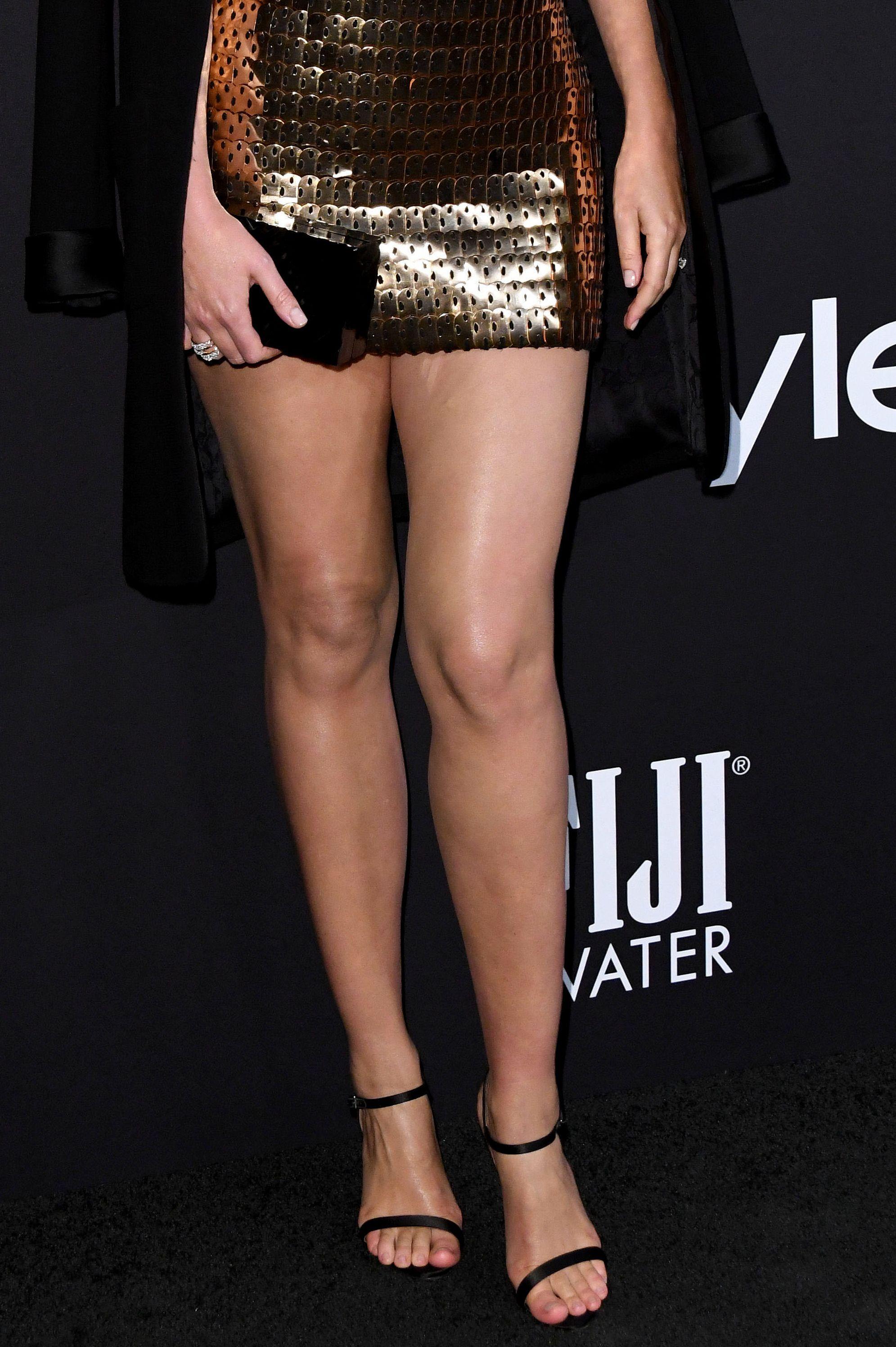Miranda Kerr nie może zgubić dodatkowych KILOGRAMÓW po CIĄŻY (ZDJĘCIA)