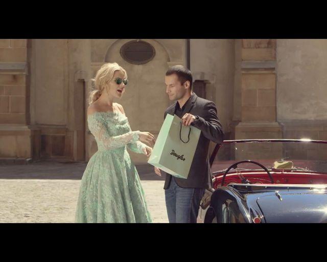 Wiemy, gdzie Mlynkova kupuje szminki (FOTO)