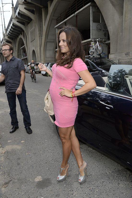 Anna Mucha pokazuje ciążowy brzuszek (FOTO)