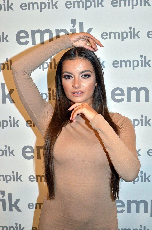 Natalia Janoszek opisuje pierwszą rozbieraną scenę w filmie Bollywood