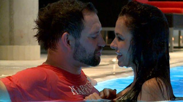 Natalia Siwiec robi mężowi dobrze pod okiem kamer? (VIDEO)