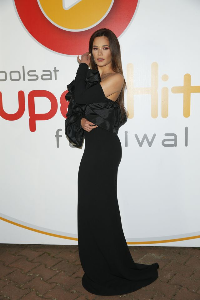 Natalia Szroder wyglądała GENIALNIE w czarnej sukni na festiwalu w Sopocie