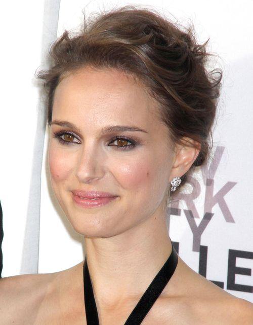 Natalie Portman nie kupuje sukni na swój ślub