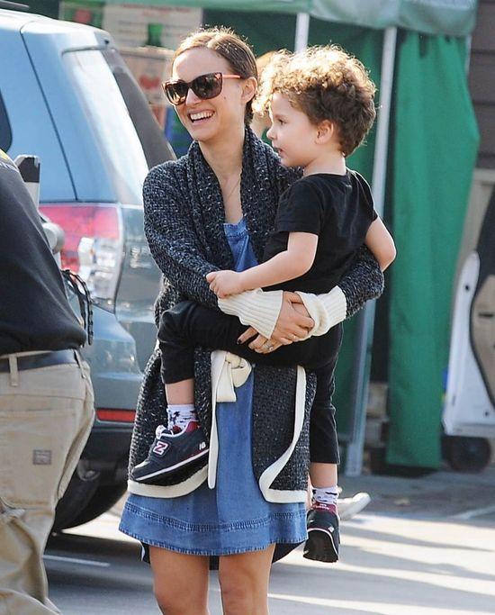 Synek Natalie Portman rośnie jak na drożdżach (FOTO)
