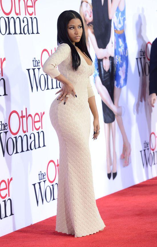 Nicki Minaj prawie jak dama (FOTO)