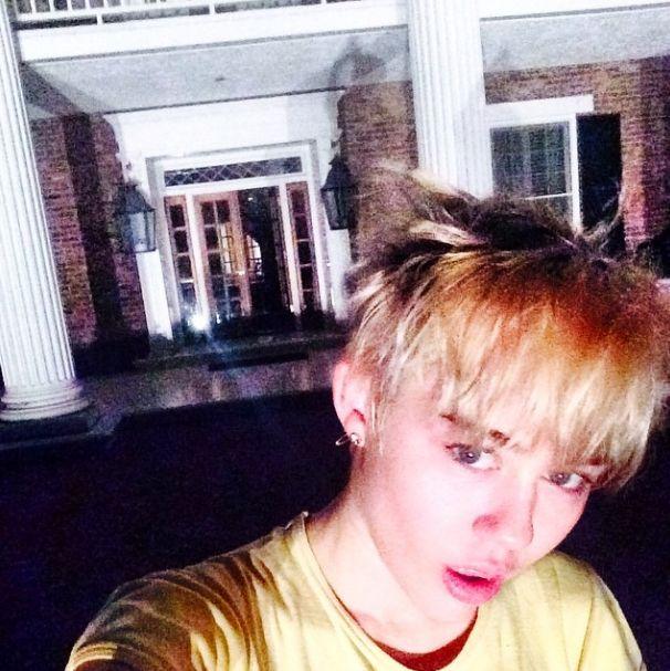 Miley Cyrus parodiuje Nicki Minaj (FOTO)