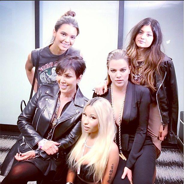 Kardashianki pozują z Nicki Minaj (FOTO)