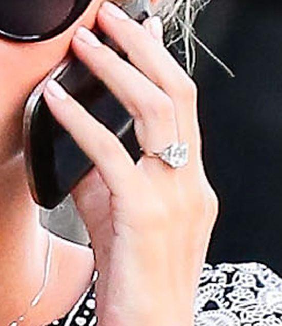 Narzeczony bilioner poskąpił na pierścionku zaręczynowym?!