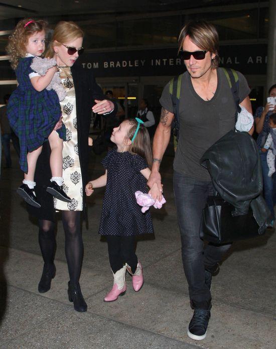 Rodzinka Nicole Kidman przyłapana w komplecie (FOTO)