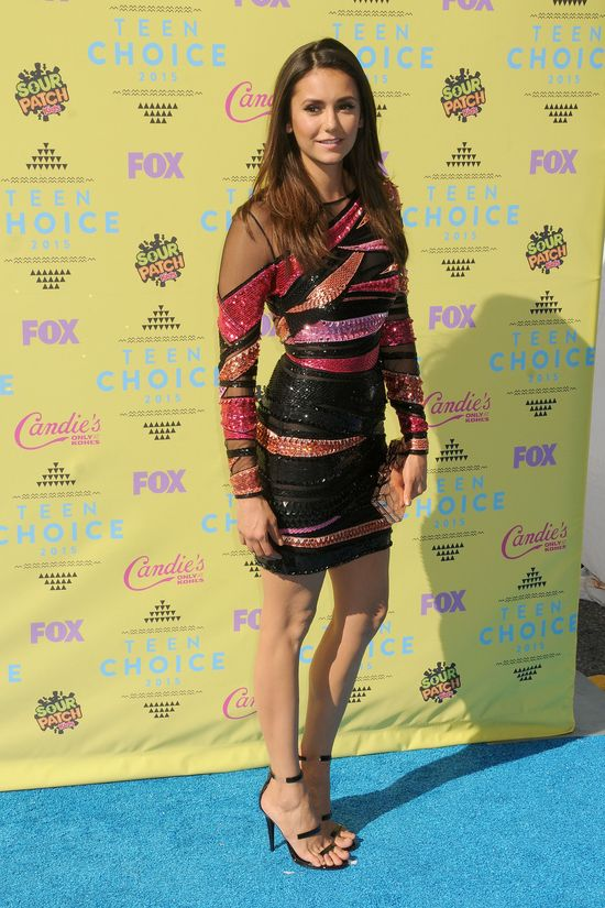 Nina Dobrev SOLO na gali Teen Choice (FOTO)