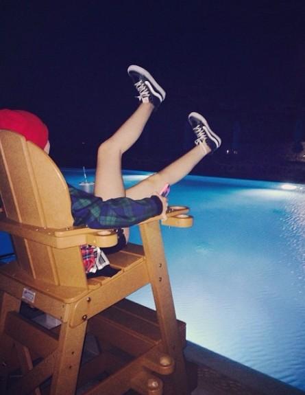 13-letnia Noah Cyrus chodzi sama na imprezy (VIDEO)