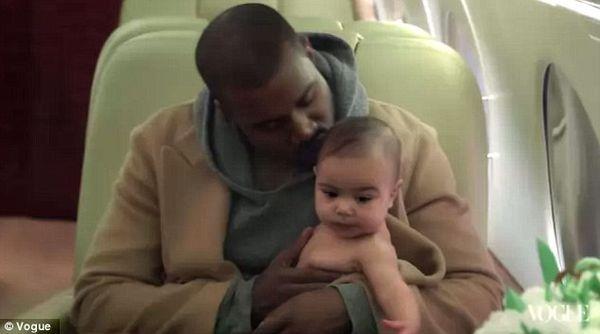 North West lata samolotem bez mamy i taty!