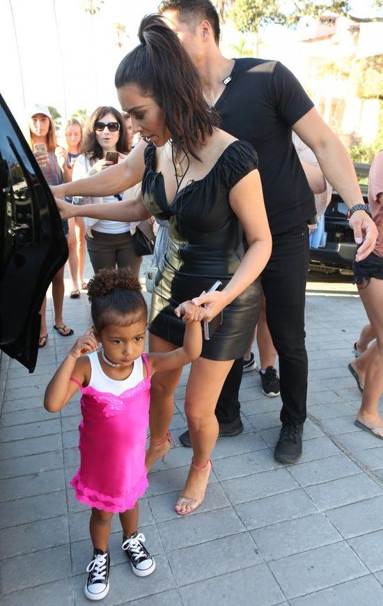 Mom Fail! Kim Kardashian zrobi�a TO w�asnej c�rce