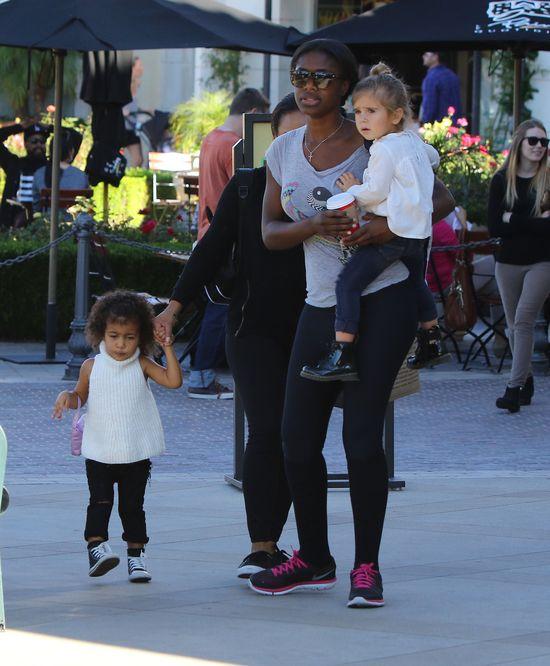 Kanye West flirtuje z nianią Nori?