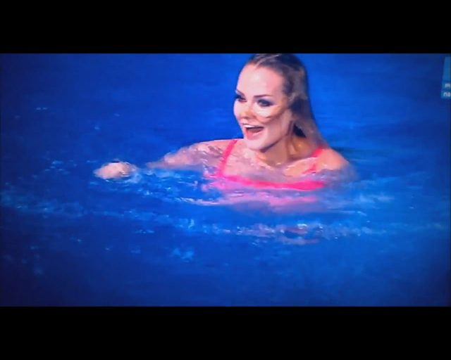 Wpadka Oli Ciupy w Celebrity Splash, spadły jej majtki VIDEO